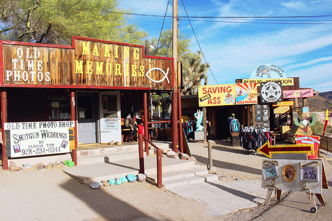 road-trip-usa-route-66-oatman-02