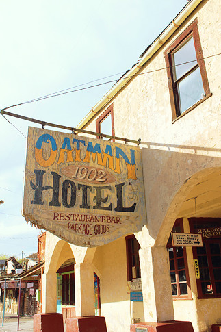 road-trip-usa-route-66-oatman-06